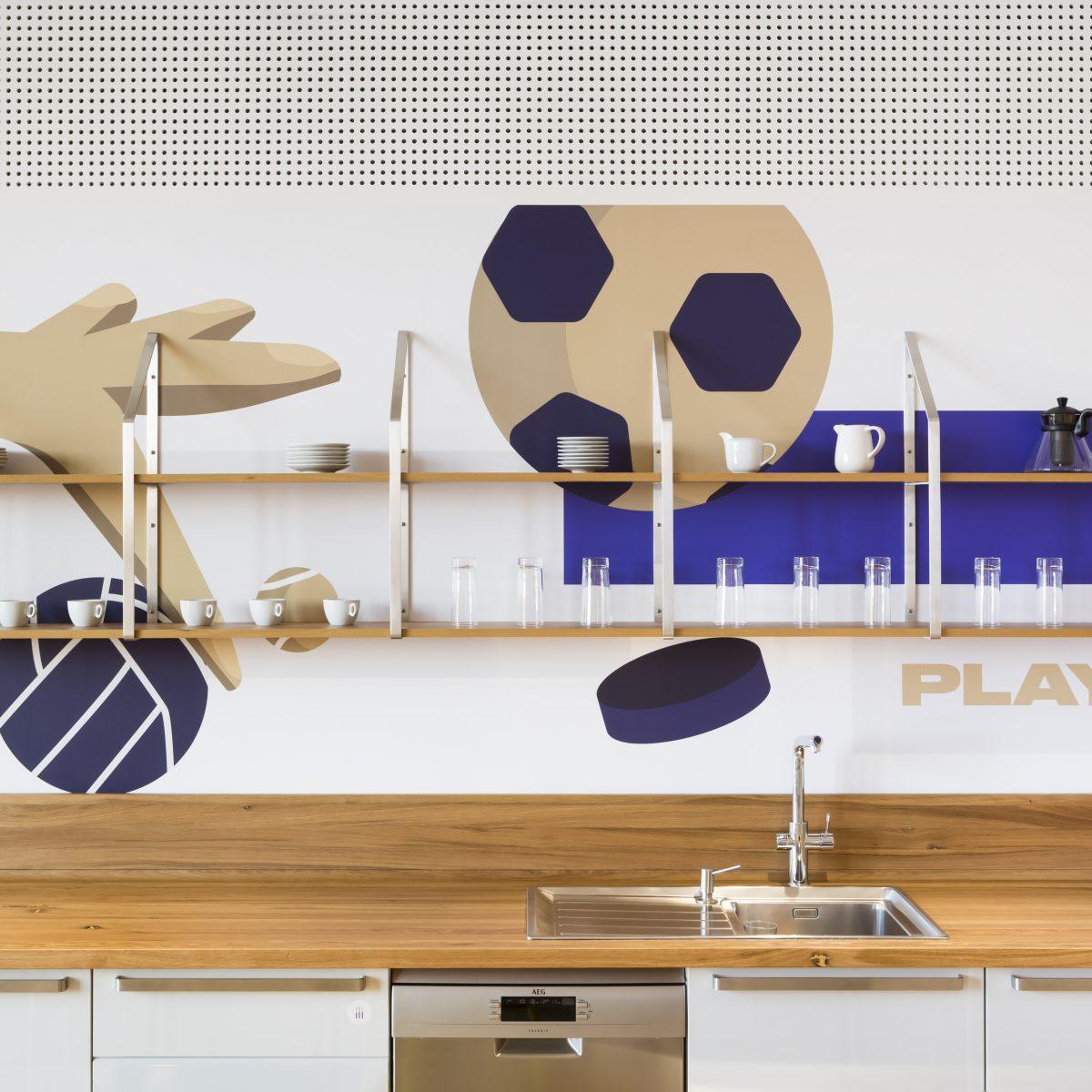 Firemní kuchyňka v kancelářích Fortuna Entertainment Group