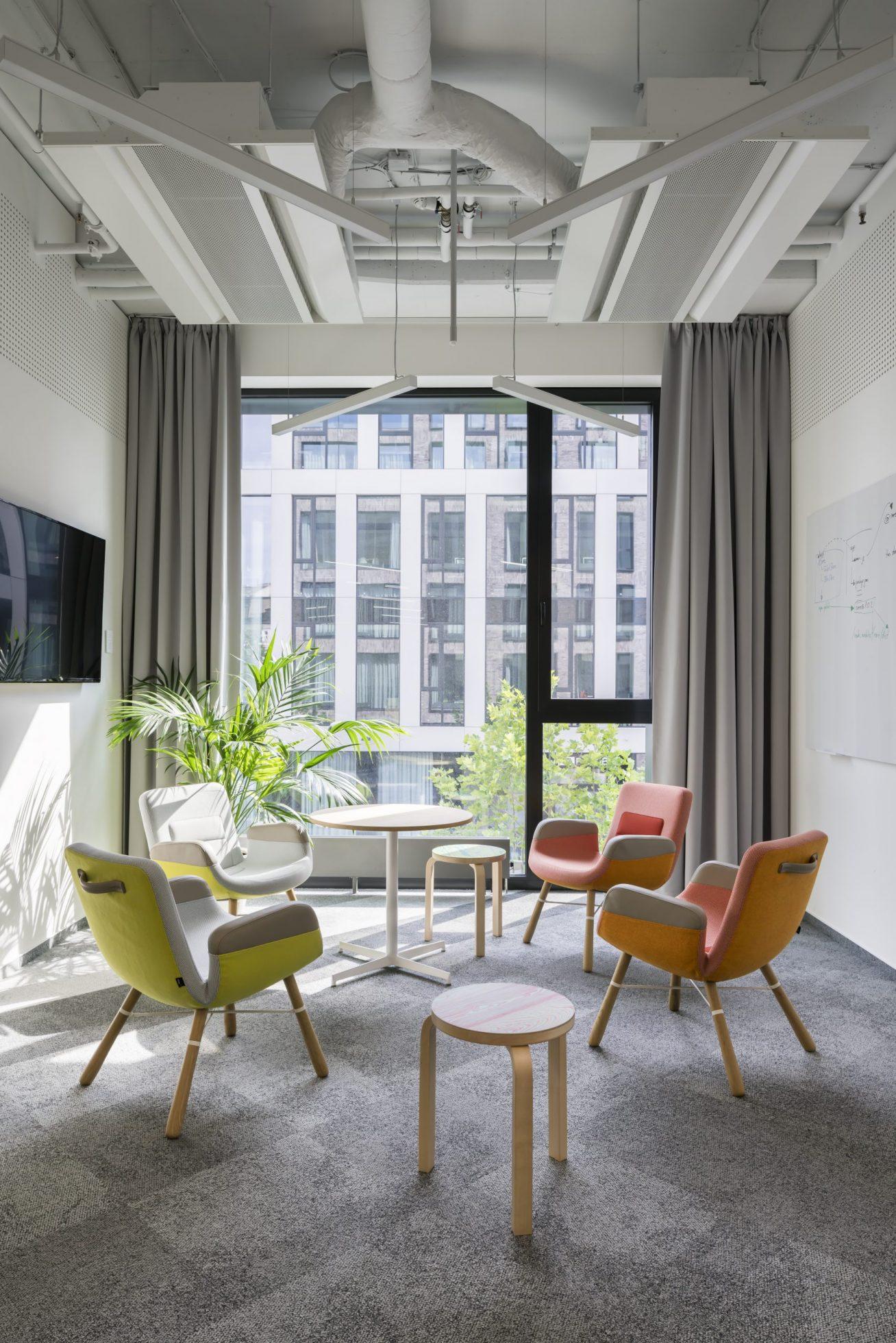 Chill zóna v kancelářích pražské pobočky Fortuna Entertainment Group
