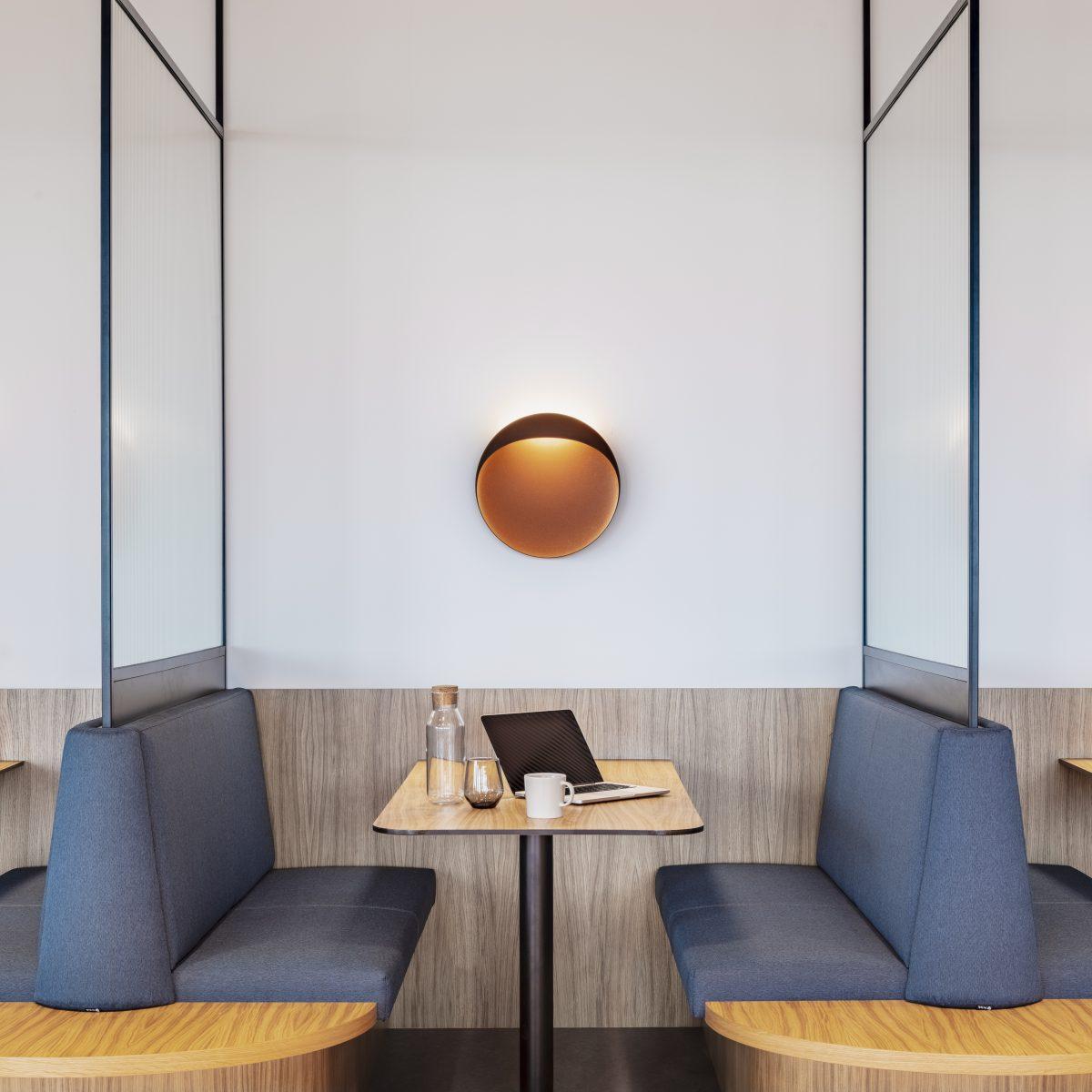 Tichá zóna v kancelářích coworkingu Base4Work
